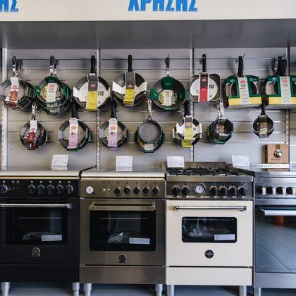 εσωτερικό καταστήματος κουζίνες